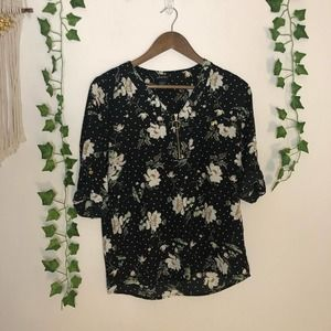 Justify Black Floral Gold Zipper Blouse